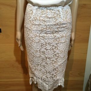 NWOT WHITE LACE NUDE LINED SKIRT